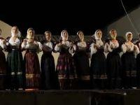 S'AFFUENTE Gruppo folk femminile di Ottana